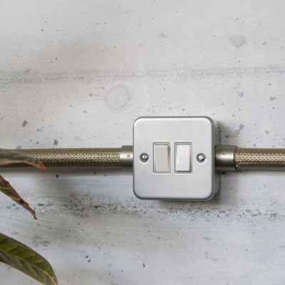 Caja de pared de metal con doble interruptor para Creative-Tube