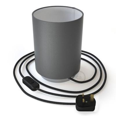 Posaluce de metal con pantalla de cilindro Electra Pingüino, completo con cable textil, interruptor y enchufe inglesa